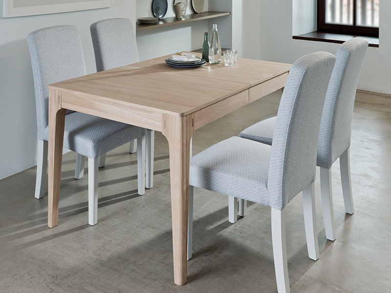 Mia 130cm Extending Dining Table