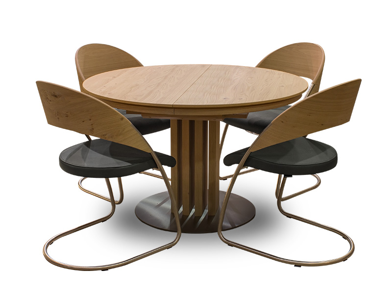 8 Chair Round Dining Table: Venjakob Round Dining Table And 4 Curve Dining Chairs